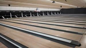 open bowling lanes
